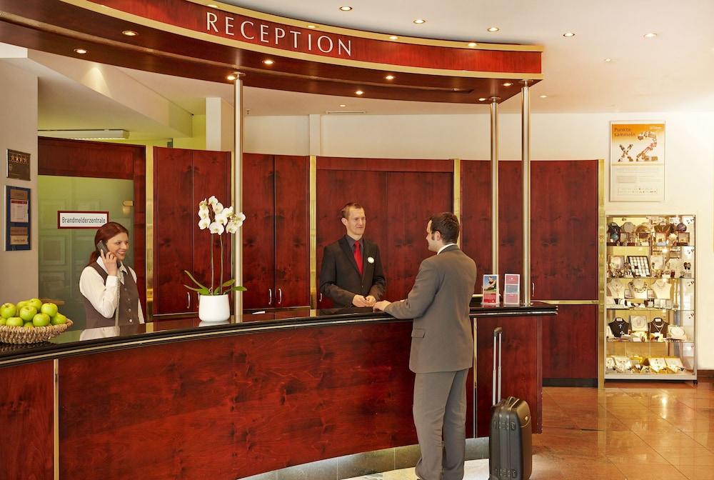 H+ 호텔 베를린 미테(H+ Hotel Berlin Mitte) Hotel Image 24 - Reception