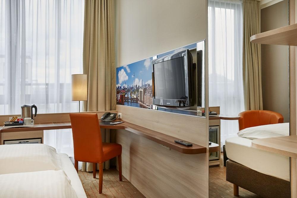 H+ 호텔 베를린 미테(H+ Hotel Berlin Mitte) Hotel Image 2 - Guestroom