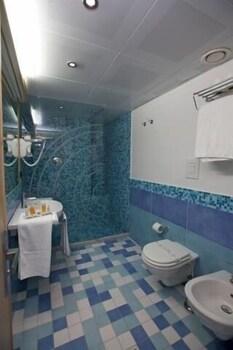 마르카네토 호텔(MARCANETO HOTEL) Hotel Image 15 - Bathroom
