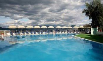 마르카네토 호텔(MARCANETO HOTEL) Hotel Image 18 - Outdoor Pool