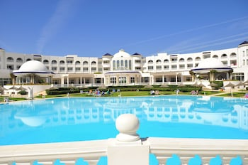 Hotel - Golden Tulip Taj Sultan Resort