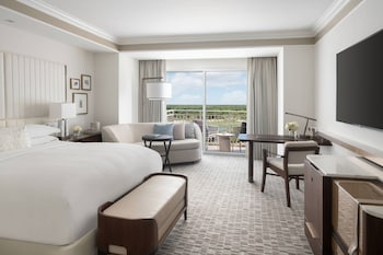 Executive Suite, 2 Queen Beds, Non Smoking (Lakefront)