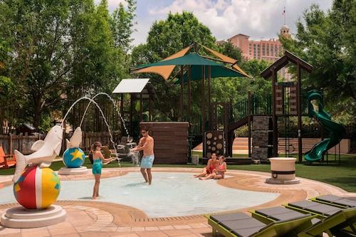 The Ritz-Carlton Orlando, Grande Lakes image 6
