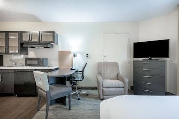 Studio Suite, 1 Queen Bed, Accessible, Bathtub (Mobility)