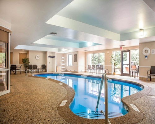 Comfort Suites West Warwick - Providence, Kent