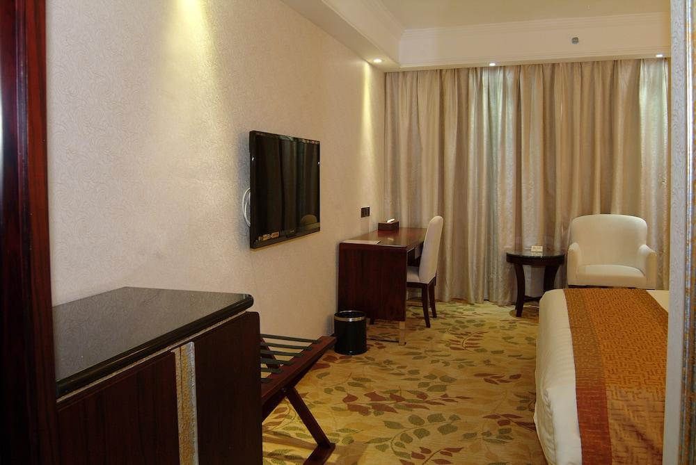 광둥 호텔(Guangdong Hotel) Hotel Image 12 - Living Area