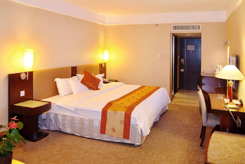 광둥 호텔(Guangdong Hotel) Hotel Image 27 - Guestroom View