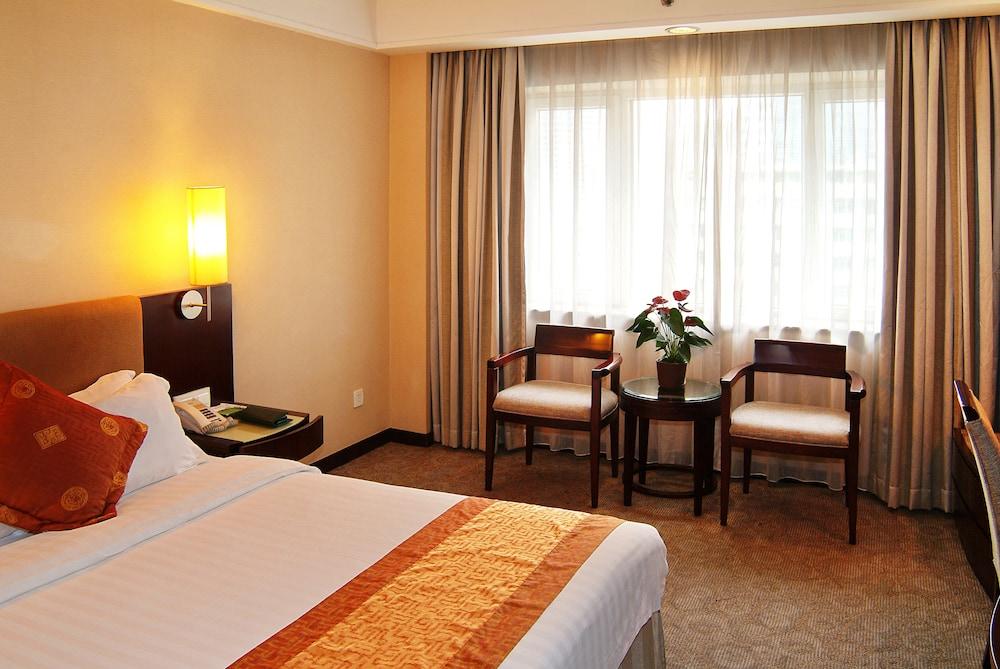 광둥 호텔(Guangdong Hotel) Hotel Image 4 - Guestroom