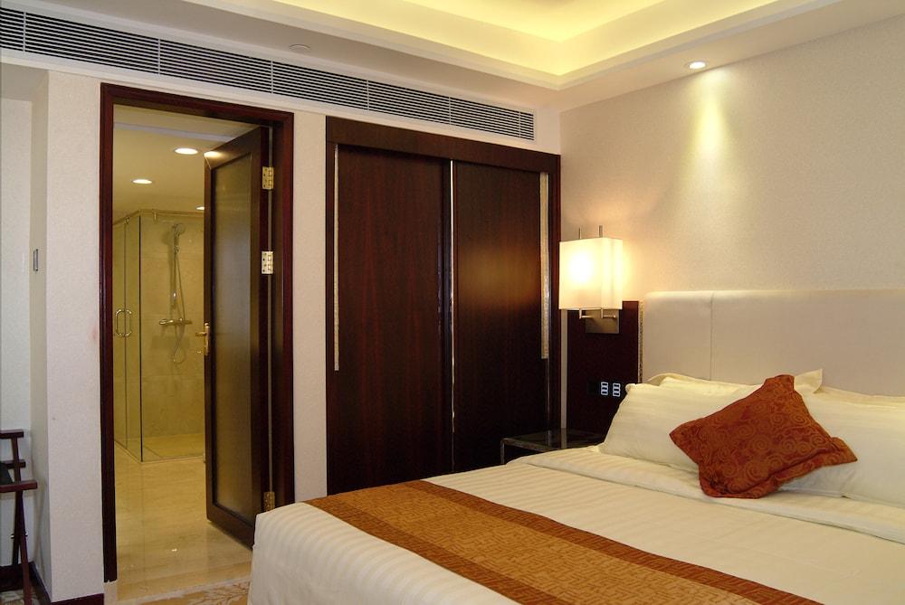 광둥 호텔(Guangdong Hotel) Hotel Image 16 - Living Room
