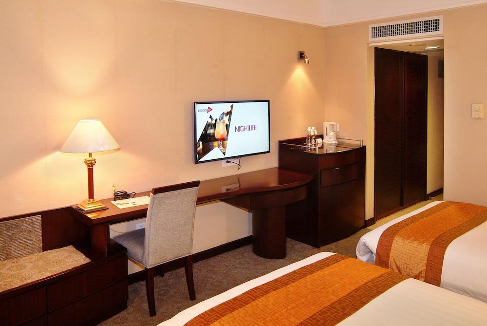 광둥 호텔(Guangdong Hotel) Hotel Image 23 - Living Room