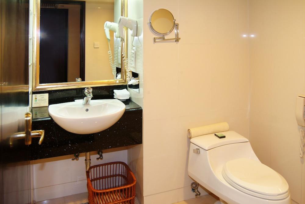 광둥 호텔(Guangdong Hotel) Hotel Image 13 - Living Area