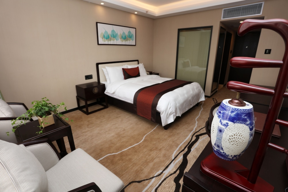 광둥 호텔(Guangdong Hotel) Hotel Image 7 - Guestroom
