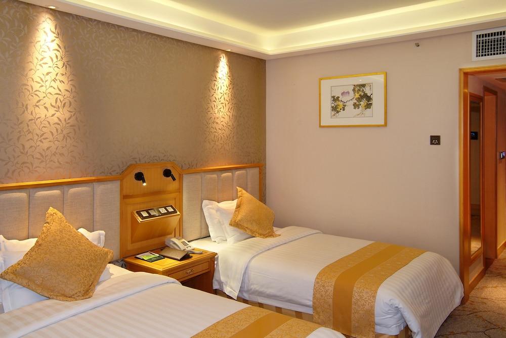 광둥 호텔(Guangdong Hotel) Hotel Image 6 - Guestroom