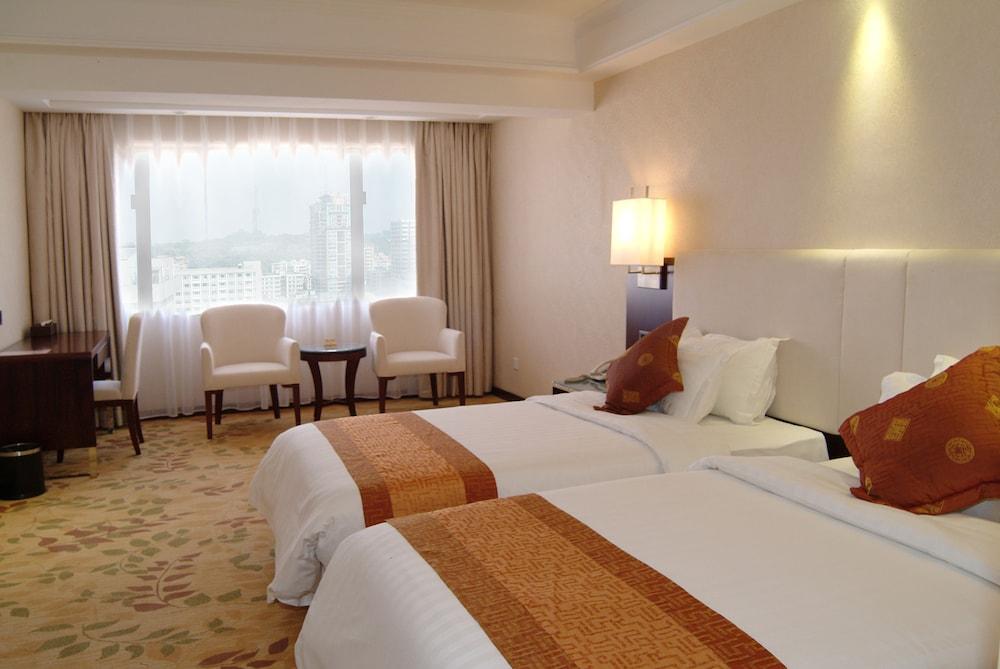 광둥 호텔(Guangdong Hotel) Hotel Image 19 - Living Room
