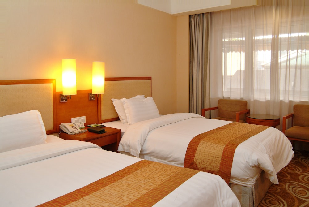 광둥 호텔(Guangdong Hotel) Hotel Image 57 - Guestroom View