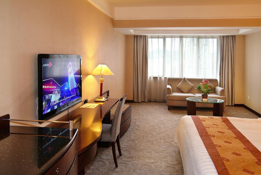 광둥 호텔(Guangdong Hotel) Hotel Image 18 - Living Room