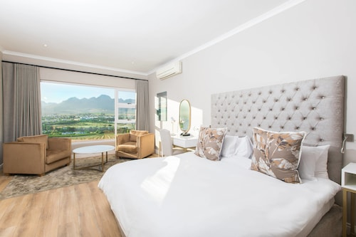 . Protea Hotel by Marriott Stellenbosch