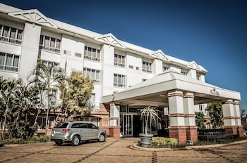 Hotel - The Riverside Hotel