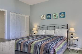 Guestroom at Litchfield Beach & Golf Resort in Pawleys Island
