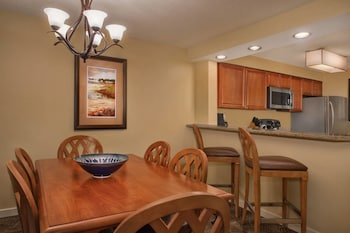In-Room Dining at Marriott's Harbour Point and Sunset Pointe at Shelter Cove in Hilton Head Island