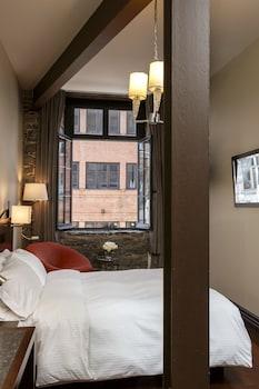 Deluxe Room, 1 Queen Bed, View (St Paul View)