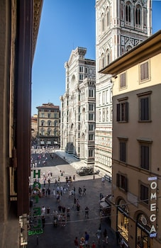Double Room (Duomo lateral view)
