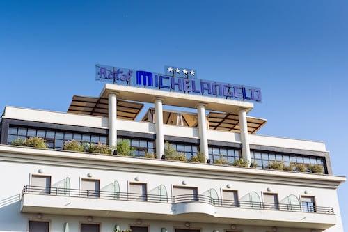 . Hotel Michelangelo Palace