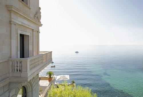 . Hotel Hospes Maricel & Spa
