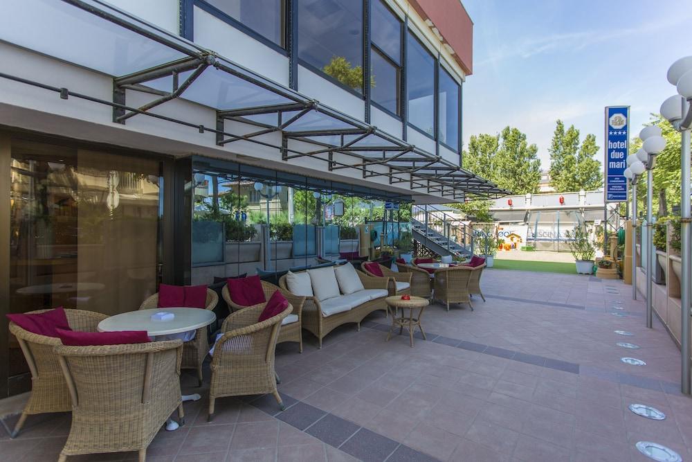 호텔 두에 마리(Hotel Due Mari) Hotel Image 83 - Exterior detail