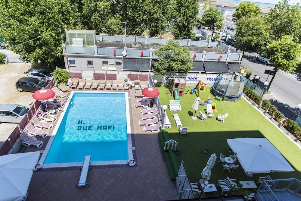 호텔 두에 마리(Hotel Due Mari) Hotel Image 53 - Outdoor Pool