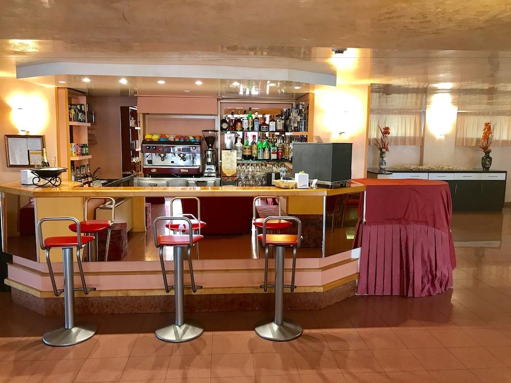 호텔 두에 마리(Hotel Due Mari) Hotel Image 71 - Hotel Lounge
