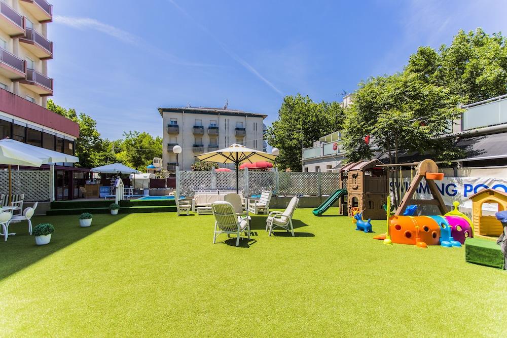 호텔 두에 마리(Hotel Due Mari) Hotel Image 59 - Childrens Play Area - Outdoor