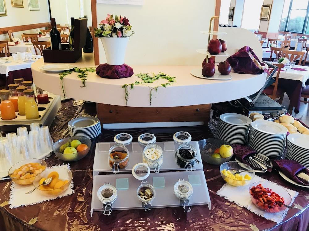 호텔 두에 마리(Hotel Due Mari) Hotel Image 69 - Food and Drink