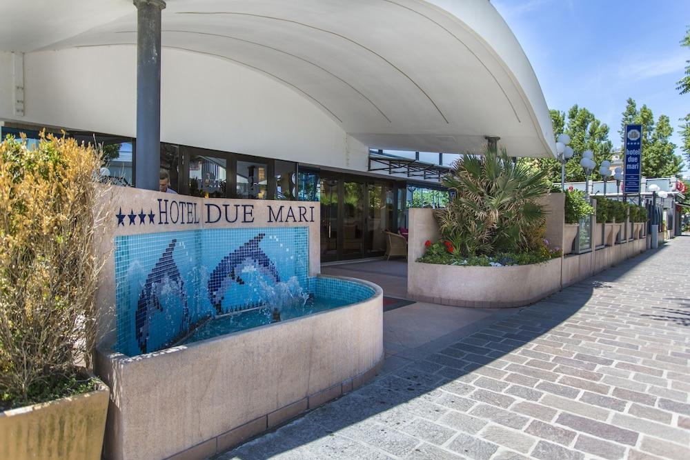 호텔 두에 마리(Hotel Due Mari) Hotel Image 81 - Hotel Entrance