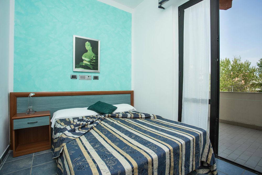 호텔 두에 마리(Hotel Due Mari) Hotel Image 41 - Guestroom View