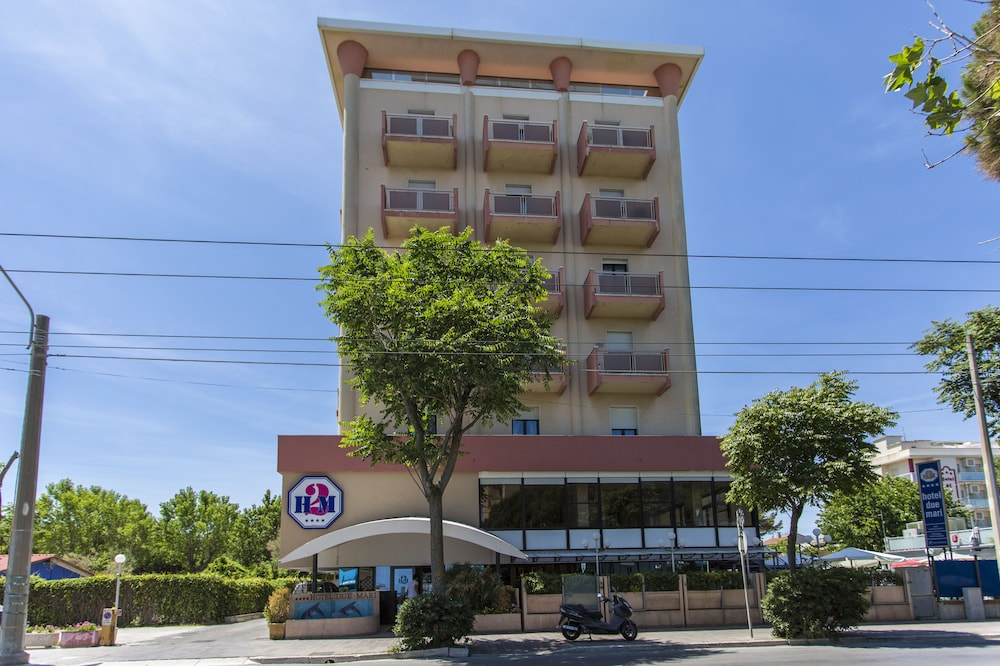 호텔 두에 마리(Hotel Due Mari) Hotel Image 78 - Hotel Front