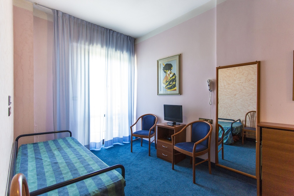 호텔 두에 마리(Hotel Due Mari) Hotel Image 20 - Guestroom