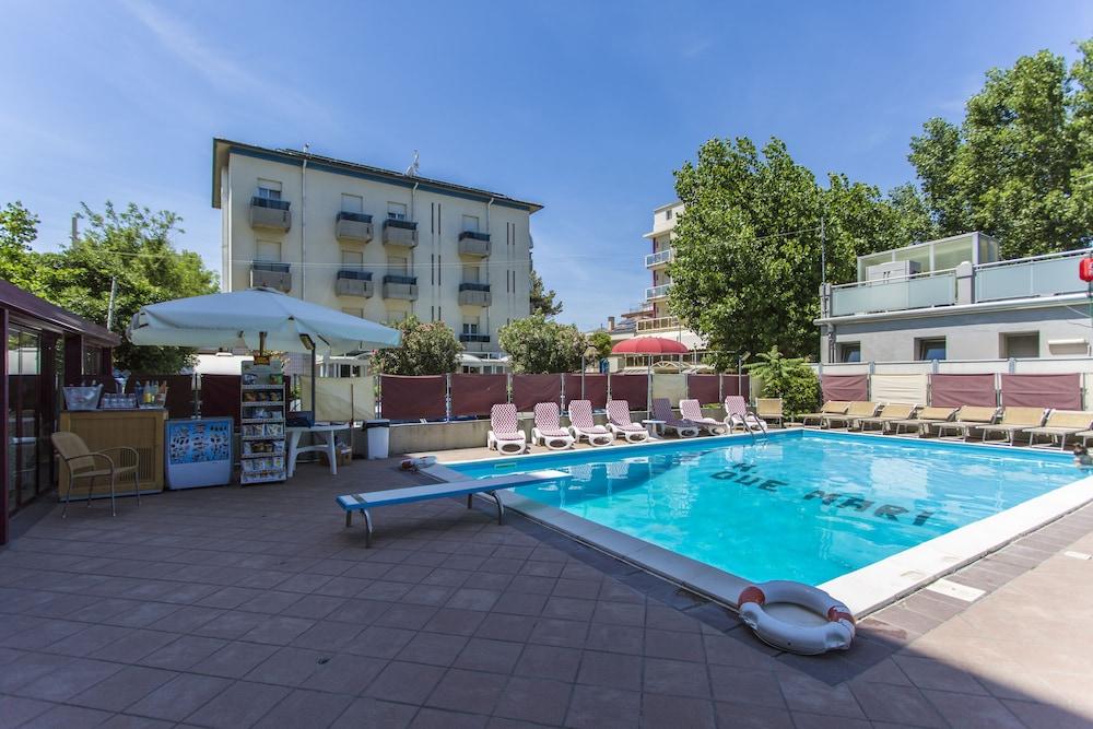 호텔 두에 마리(Hotel Due Mari) Hotel Image 54 - Outdoor Pool