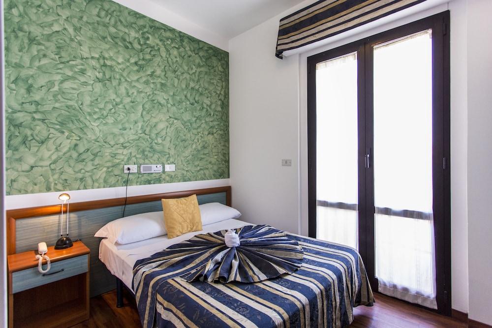 호텔 두에 마리(Hotel Due Mari) Hotel Image 24 - Guestroom