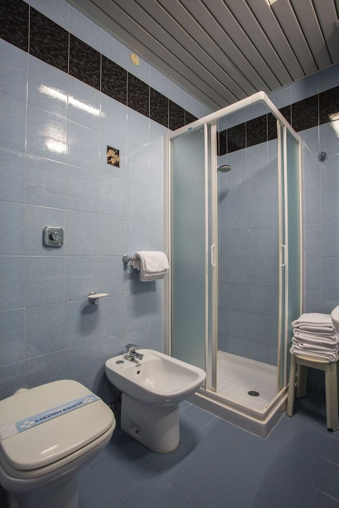 호텔 두에 마리(Hotel Due Mari) Hotel Image 27 - Guestroom