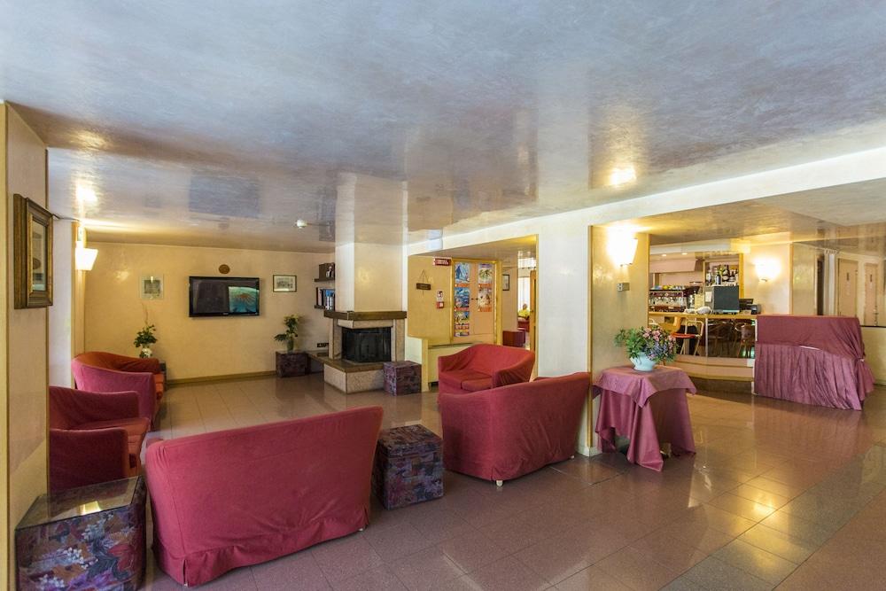 호텔 두에 마리(Hotel Due Mari) Hotel Image 10 - Lobby Lounge