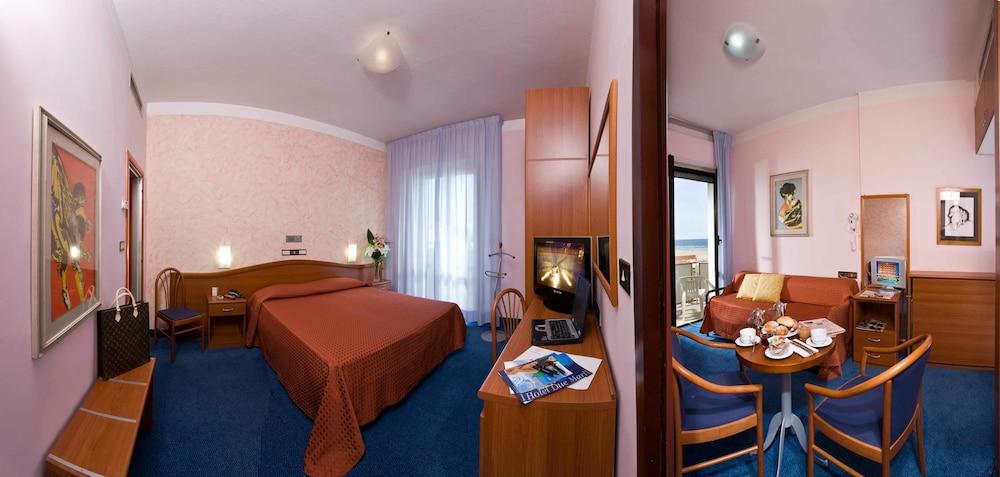 호텔 두에 마리(Hotel Due Mari) Hotel Image 47 - Guestroom View