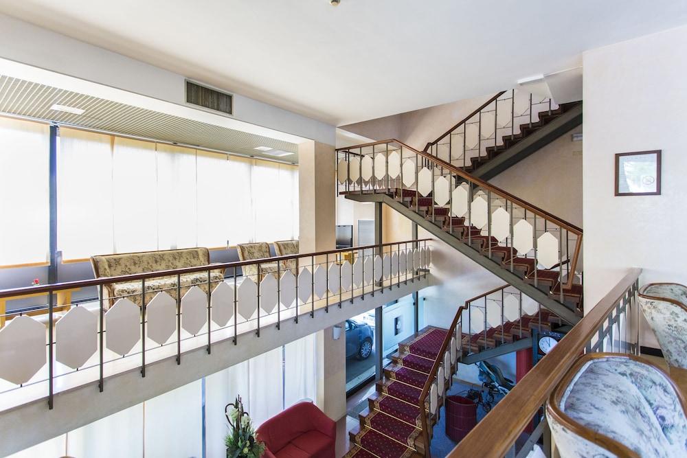 호텔 두에 마리(Hotel Due Mari) Hotel Image 75 - Staircase