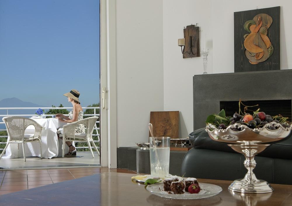 빌라 오리아나 릴레(Villa Oriana Relais) Hotel Image 51 - Hotel Interior