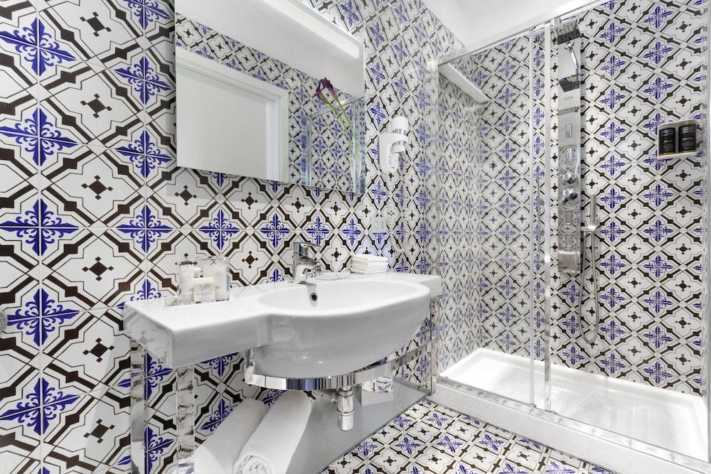빌라 오리아나 릴레(Villa Oriana Relais) Hotel Image 34 - Bathroom
