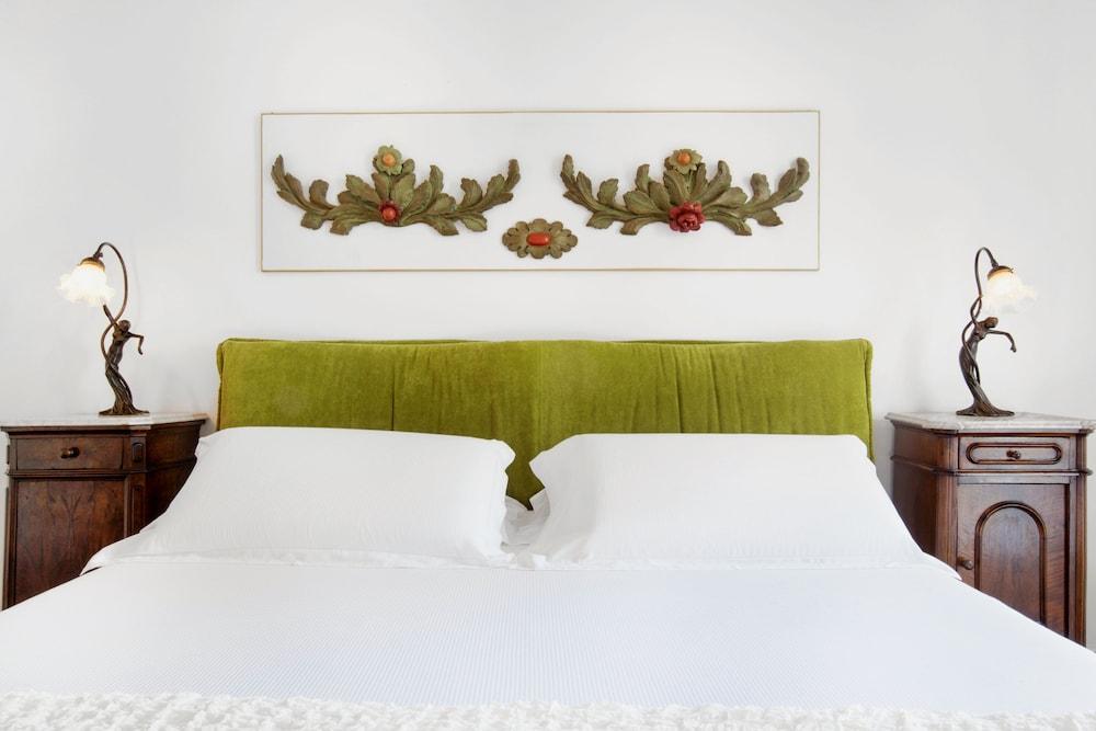 빌라 오리아나 릴레(Villa Oriana Relais) Hotel Image 10 - Guestroom
