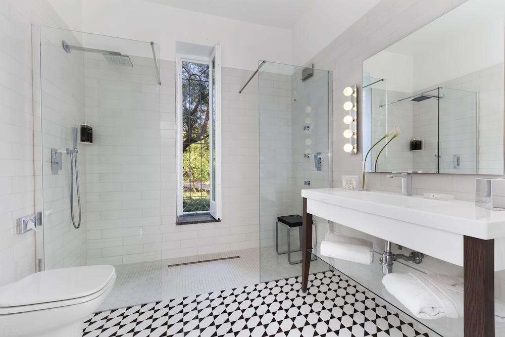 빌라 오리아나 릴레(Villa Oriana Relais) Hotel Image 37 - Bathroom