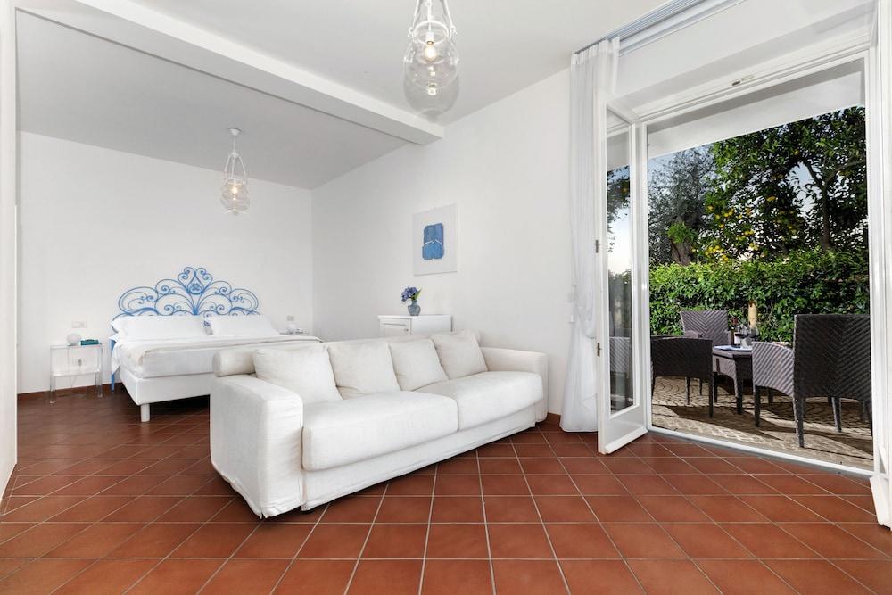 빌라 오리아나 릴레(Villa Oriana Relais) Hotel Image 14 - Guestroom