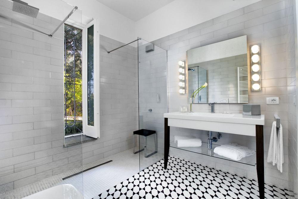 빌라 오리아나 릴레(Villa Oriana Relais) Hotel Image 38 - Bathroom