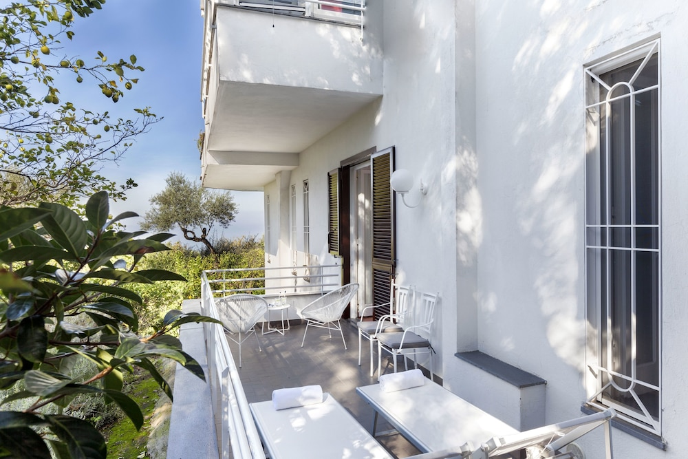 빌라 오리아나 릴레(Villa Oriana Relais) Hotel Image 22 - Terrace/Patio
